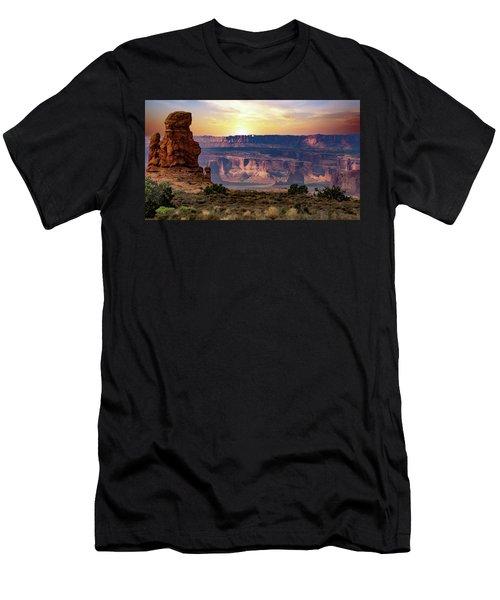 Arches National Park Canyon Men's T-Shirt (Athletic Fit)