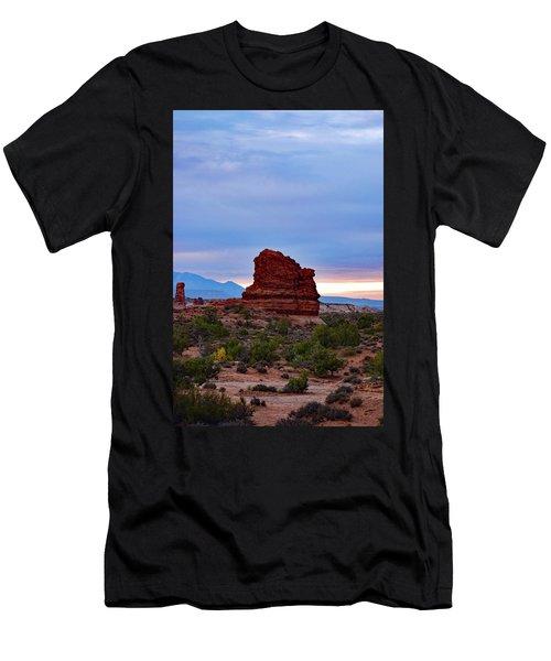 Arches No. 4-1 Men's T-Shirt (Athletic Fit)