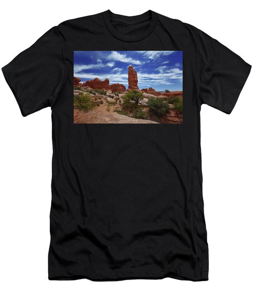 Arches Scene 4 Men's T-Shirt (Athletic Fit)