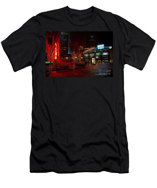 D66l-4 Arena District Photo Men's T-Shirt (Athletic Fit)