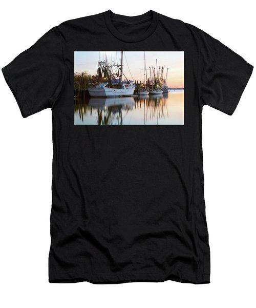 At Rest - Shem Creek Men's T-Shirt (Athletic Fit)