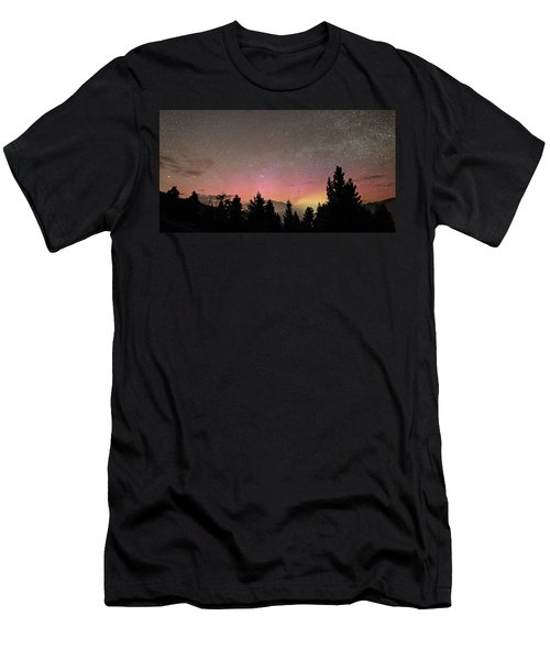 Aurora Borealis Over Mammoth Hot Springs In Yellowstone Np Men's T-Shirt (Athletic Fit)