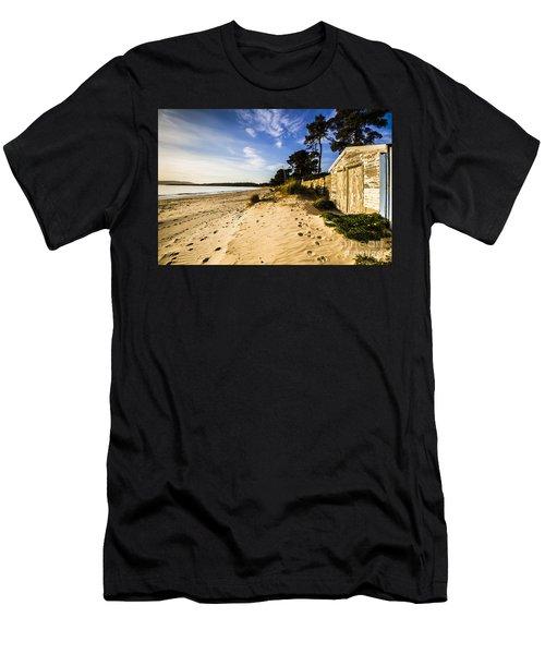 Australian Beach Shacks Men's T-Shirt (Athletic Fit)