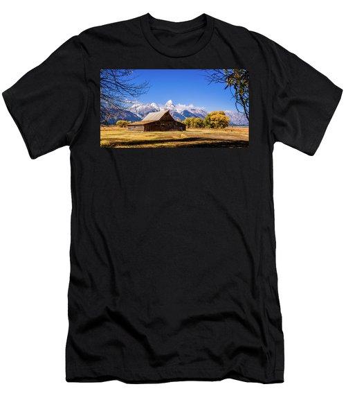 Autumn At Moulton Barn Men's T-Shirt (Athletic Fit)