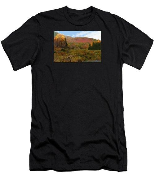 Autumn  Moose Bog Men's T-Shirt (Athletic Fit)