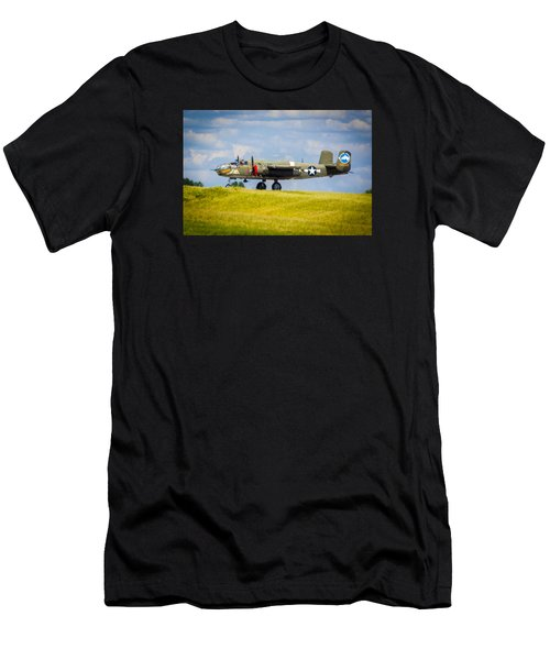 B-25 Landing Original Men's T-Shirt (Athletic Fit)
