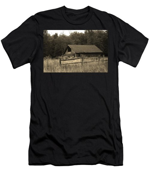Barn And Fence Men's T-Shirt (Athletic Fit)