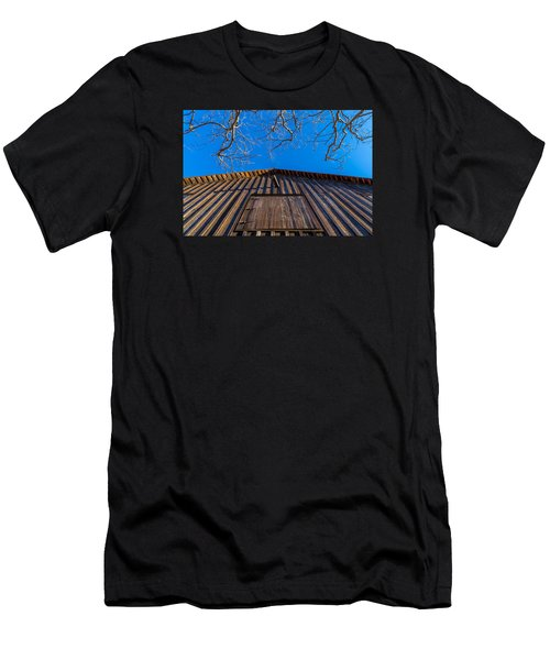 Barn And Trees Men's T-Shirt (Athletic Fit)