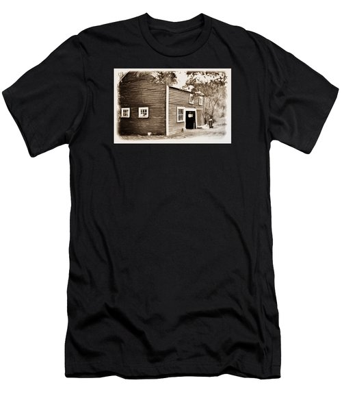 Barn In The Woods Men's T-Shirt (Athletic Fit)
