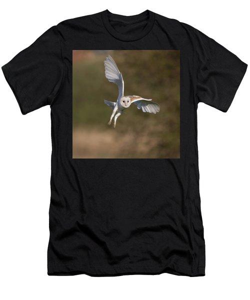 Barn Owl Cornering Men's T-Shirt (Athletic Fit)