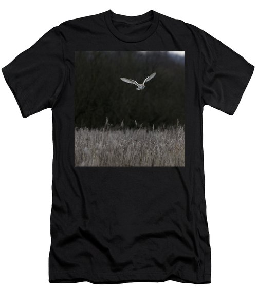 Barn Owl Hunting At Dusk Men's T-Shirt (Athletic Fit)