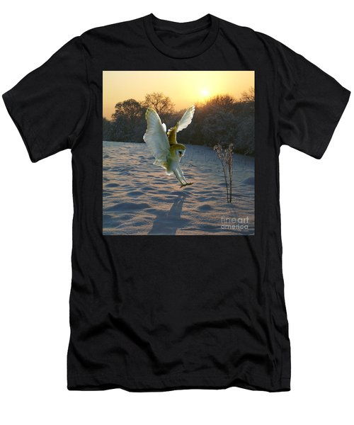 Barn Owl In Snowy Sunset Men's T-Shirt (Athletic Fit)