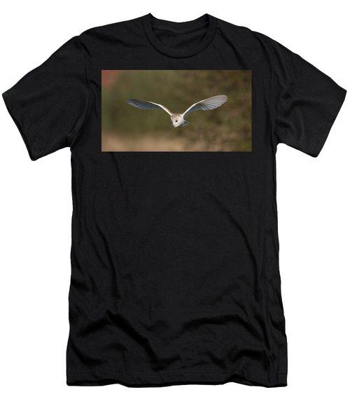 Barn Owl Quartering Men's T-Shirt (Athletic Fit)