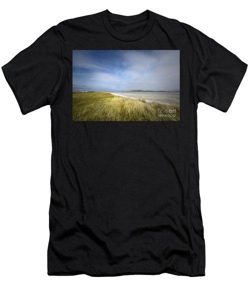Barra Airport Men's T-Shirt (Athletic Fit)