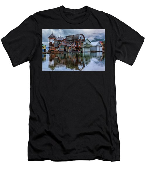 Bayview Houseboat Men's T-Shirt (Athletic Fit)