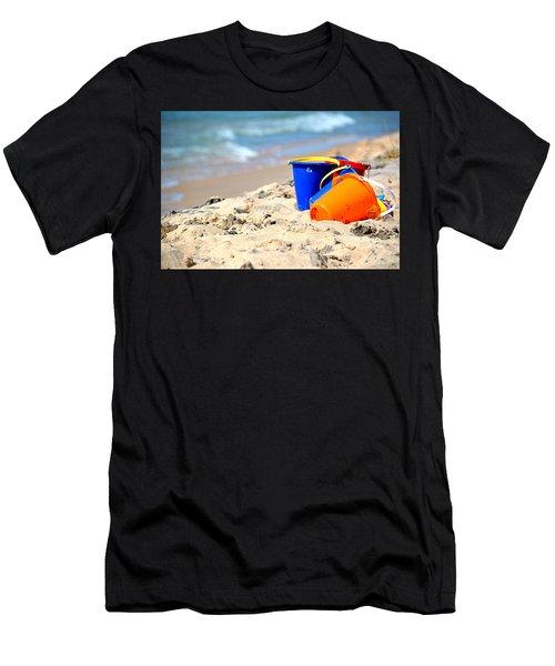 Beach Buckets Men's T-Shirt (Athletic Fit)
