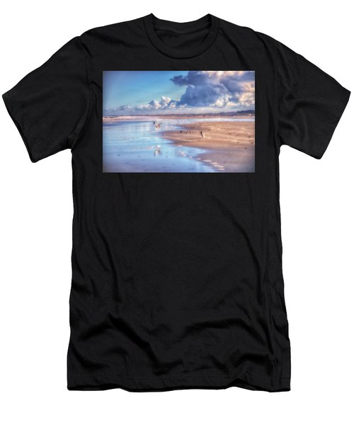 Beach Gulls Men's T-Shirt (Athletic Fit)