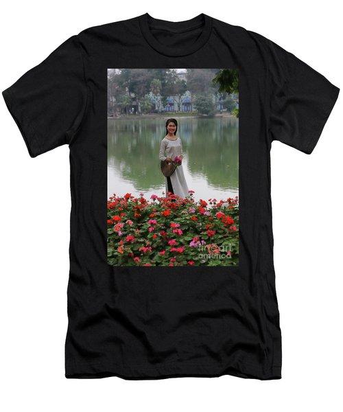 Beautiful Vietnamese Woman Men's T-Shirt (Athletic Fit)