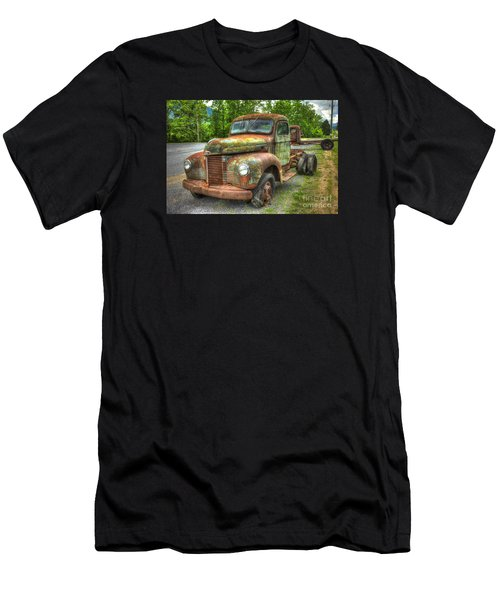 Beauty And The Best 1947 International Harvester Kb 5 Truck Men's T-Shirt (Athletic Fit)