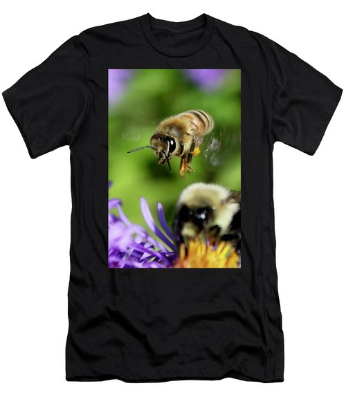Bee In Flight  Men's T-Shirt (Athletic Fit)