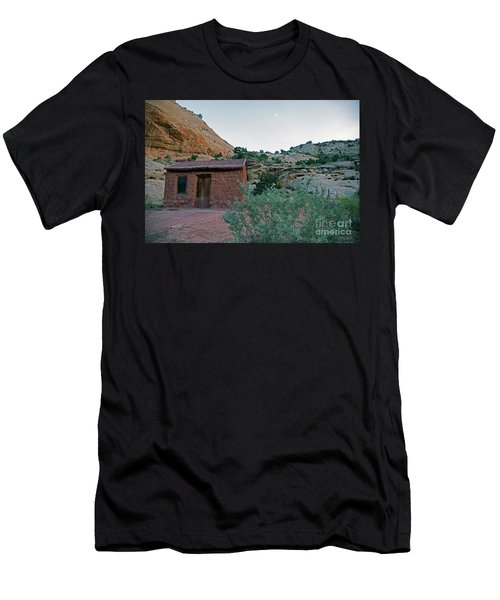 Behunin Cabin Capital Reef Men's T-Shirt (Athletic Fit)