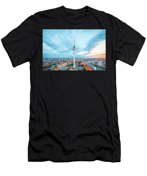 Berlin Twilight Panorama Men's T-Shirt (Athletic Fit)