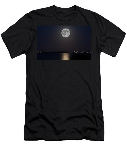 Big Moon Over The Bay Men's T-Shirt (Athletic Fit)