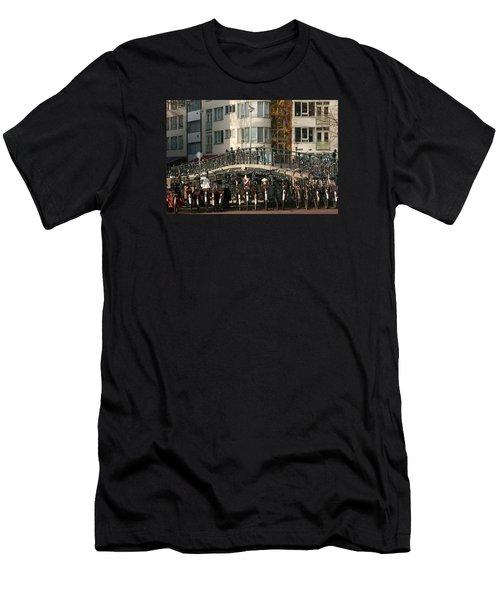 Bikes Bridge And Bird Men's T-Shirt (Athletic Fit)