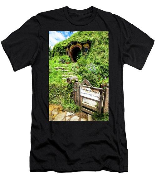 Bilbo's Hobbit Hole Men's T-Shirt (Athletic Fit)
