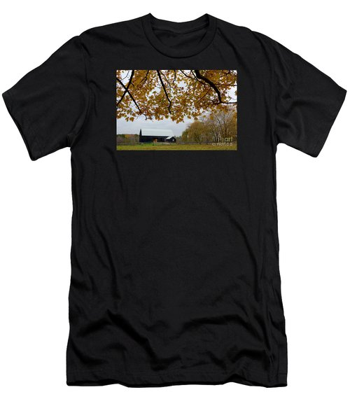 Black Barn Farm Men's T-Shirt (Athletic Fit)