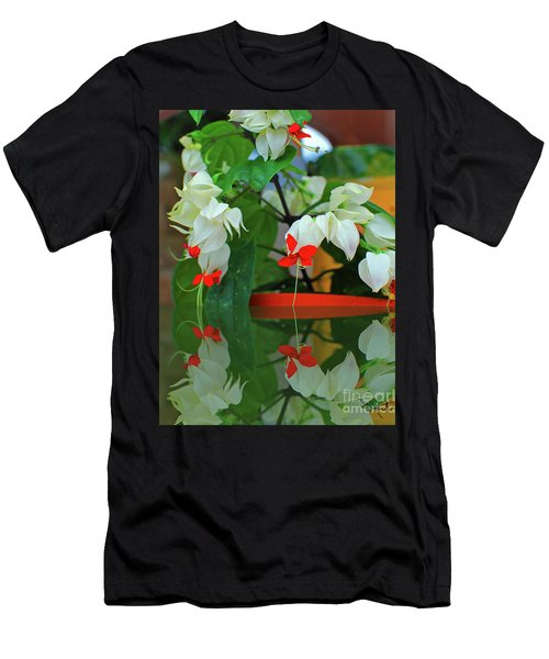 Bleeding Heart I Men's T-Shirt (Athletic Fit)