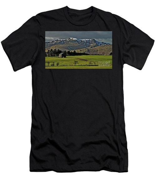 Blencathra Mountain, Lake District Men's T-Shirt (Athletic Fit)