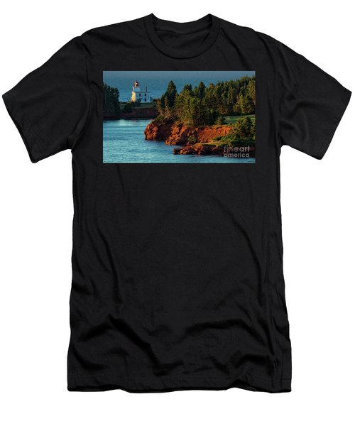 Blockhouse Point Lighthouse Men's T-Shirt (Athletic Fit)