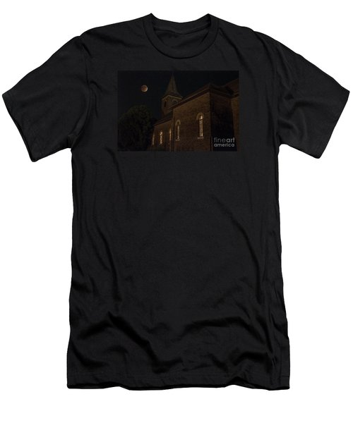 Blood Moon Over St. Johns Church Men's T-Shirt (Athletic Fit)