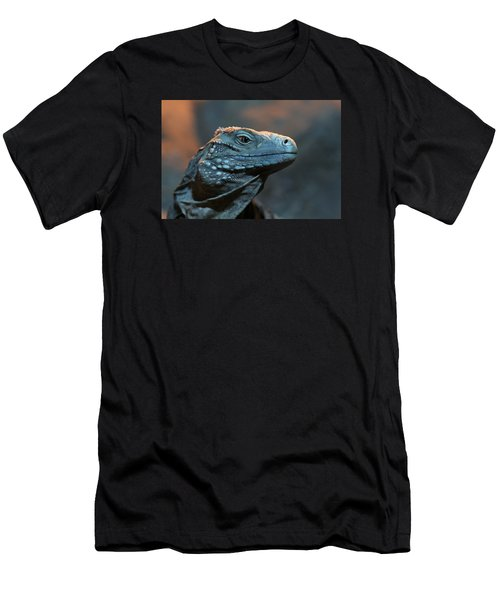 Blue Iguana Men's T-Shirt (Athletic Fit)