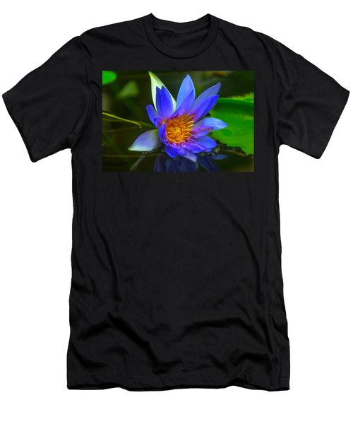 Blue Waterlily In Pond Men's T-Shirt (Athletic Fit)