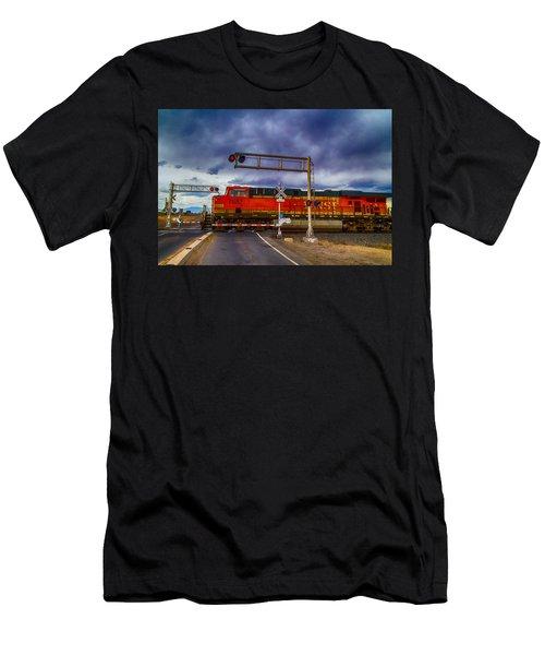 Bnsf 7682 Crossing Men's T-Shirt (Athletic Fit)