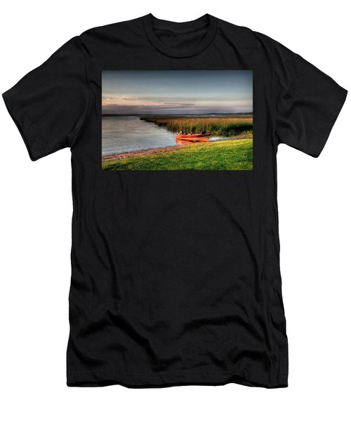 Boat On A Minnesota Lake Men's T-Shirt (Athletic Fit)