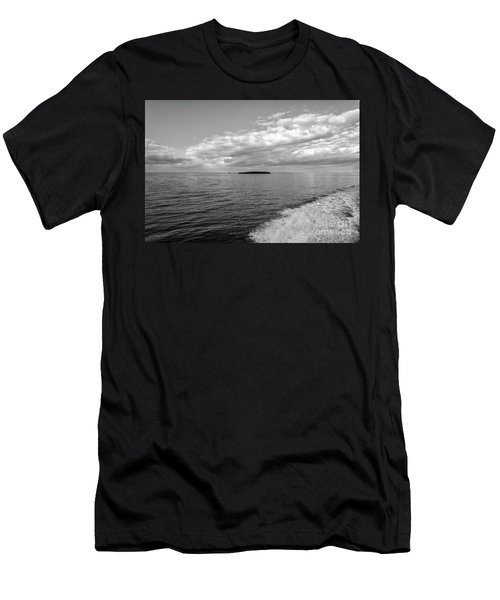 Boat Wake On Florida Bay Men's T-Shirt (Athletic Fit)