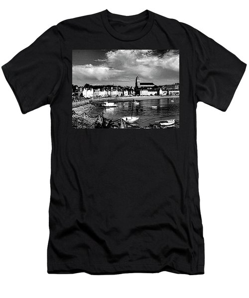 Boats In The Anse Men's T-Shirt (Athletic Fit)