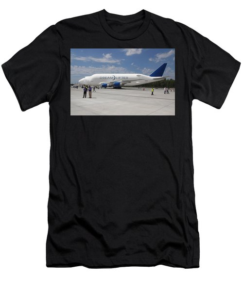 Boeing Dreamlifter 1 Men's T-Shirt (Athletic Fit)