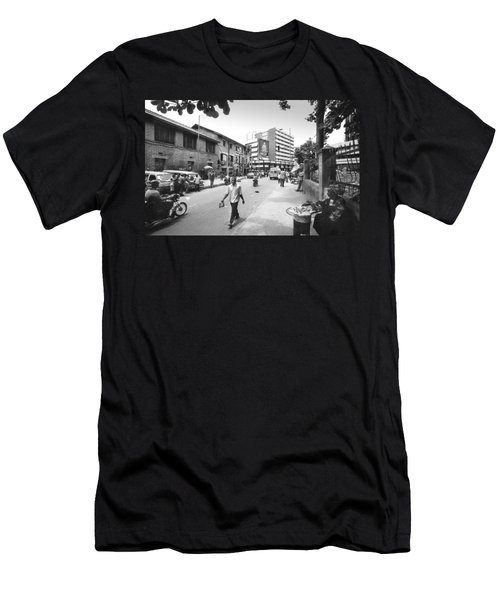 Broad Street Facing Cms Bus-stop Men's T-Shirt (Athletic Fit)