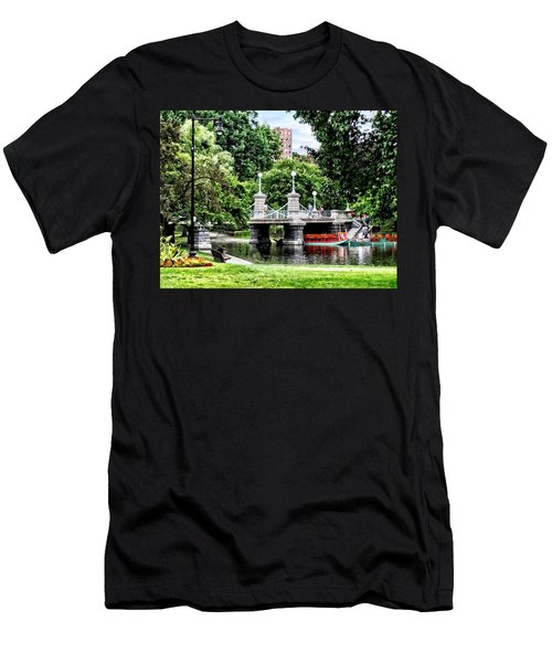 Boston Ma - Boston Public Garden Bridge Men's T-Shirt (Slim Fit)