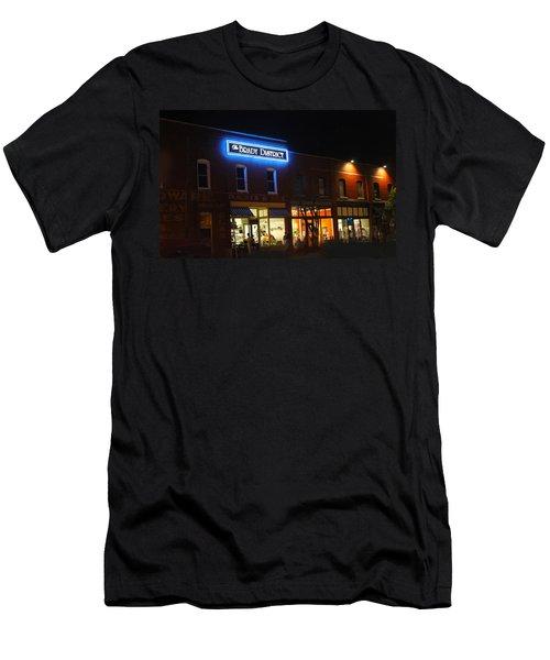 Brady District Men's T-Shirt (Athletic Fit)