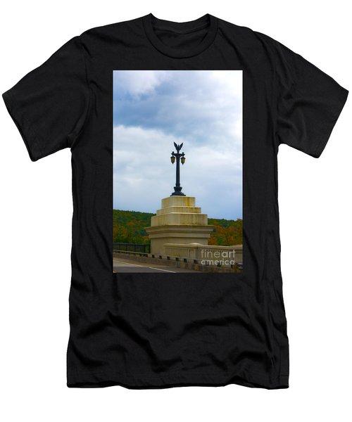 Bridge Lights Men's T-Shirt (Athletic Fit)