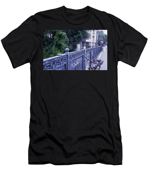 Bridge Railing Men's T-Shirt (Athletic Fit)