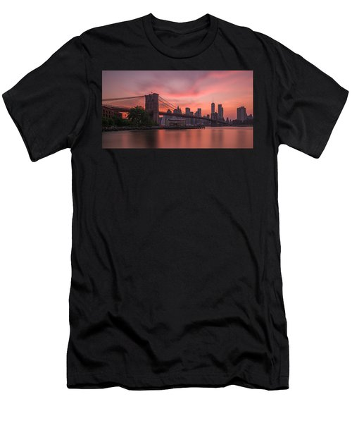 Brooklyn Bridge Sunset Men's T-Shirt (Athletic Fit)