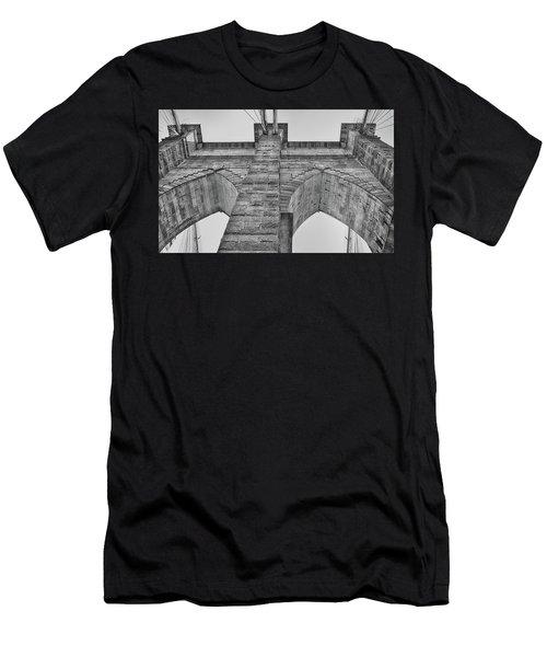 Brooklyn Bridge Tower Men's T-Shirt (Athletic Fit)