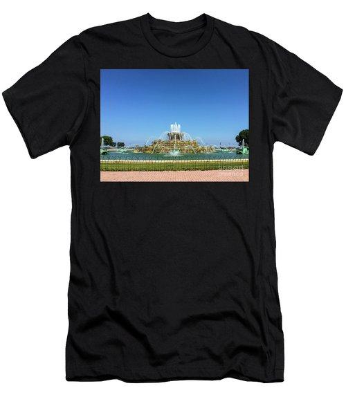Buckingham Fountain Men's T-Shirt (Athletic Fit)
