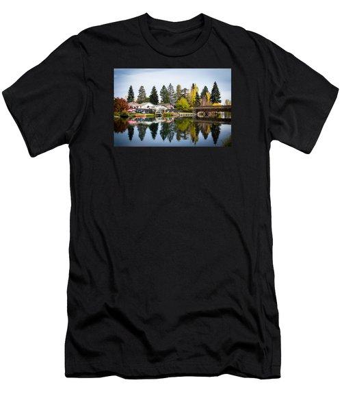 bungalows on the Deschutes Men's T-Shirt (Athletic Fit)